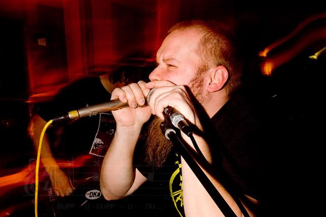 Brutopia - Pekka ja mikrofonit